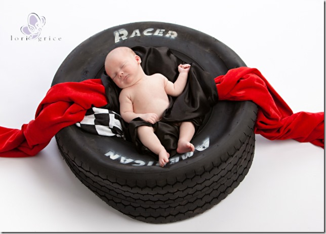 Baby's first year-Baby in Tire