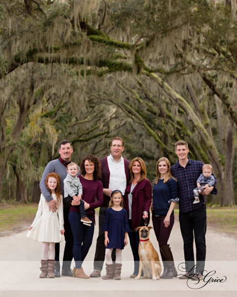 Wormsloe-Families-Portrait-Dog-Animals